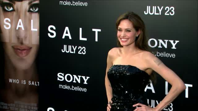 News video: Angelina Jolie's Battle to Prevent Ovarian Cancer Continues